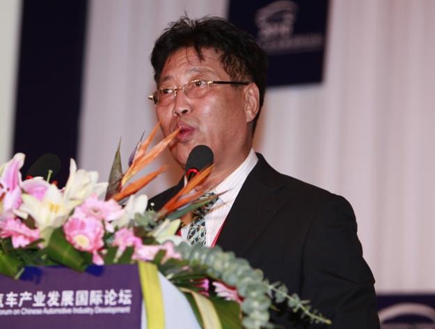 Industria automovilística china se enfrenta a posible riesgo de exceso de capacidad, funcionario de la CEDR advierte